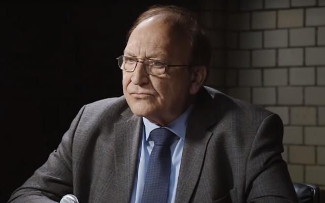 L'ancien diplomate allemand Bernd Erbel interwiewé sur la chaîne YouTube de Ken Jebsen en juillet 2019. (Crédit : capture d'écran: YouTube)