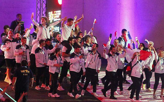 La délégation française des 15e Maccabiades européennes, lors de la cérémonie d'ouverture de l'évènement, le 30 juillet, à Budapest, en Hongrie. (Crédit photo : European Maccabi Games 2019 / emg2019.com)