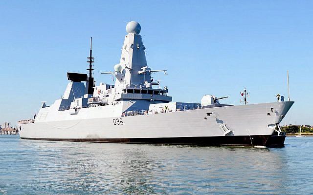 Le HMS Defender en 2012.  (Crédit : Royal Navy — Defence Images)