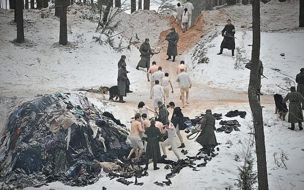 """Le massacre de triste mémoire de Rumbula, au cours duquel 25000 Juifs ont été tués en deux jours à la fin de l'année 1941, dans le film  mhistorique dramatique """"The Mover"""" (Autorisation : Festival du film juif de Washington)"""