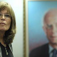 La juge à la retraite Sara Frish à un meeting du parti travailliste le 4 juillet 2011. (Crédit : Kobi Gideon/Flash90)