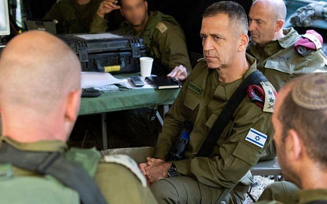 Le chef d'état-major de l'armée israélienne, Aviv Kohavi, assiste à un exercice de simulation de guerre à grande échelle contre l'organisation terroriste du Hezbollah, au Liban, en juin 2019. (Armée israélienne)