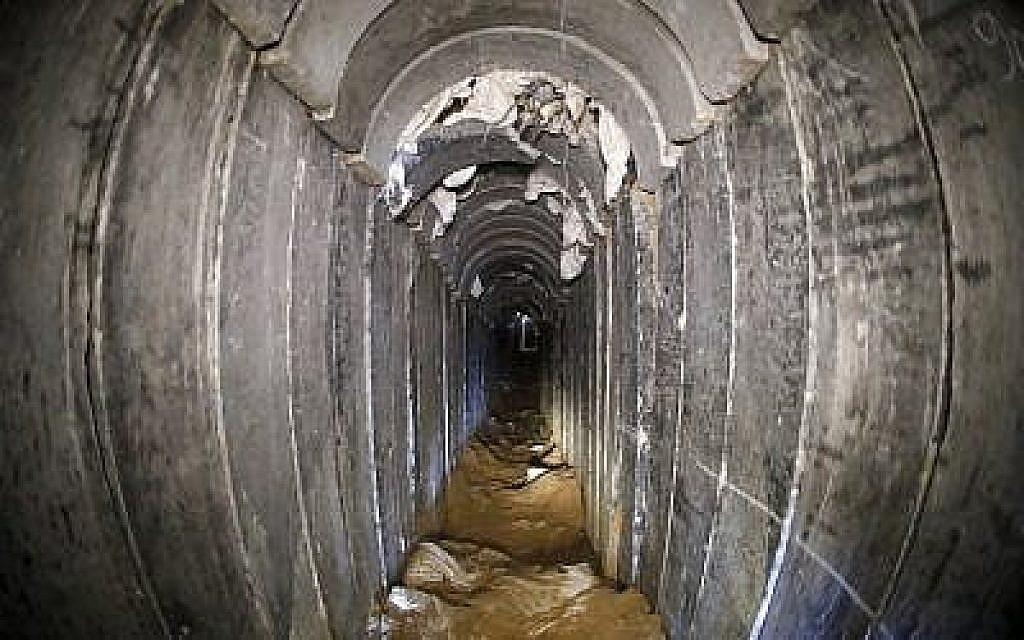Une photographie prise en janvier 2018 d'un tunnel du Jihad islamique détruit, conduisant de Gaza vers Israël, à proximité du kibboutz israélien du sud de Kissufim. (Jack Guez/AFP/POOL)