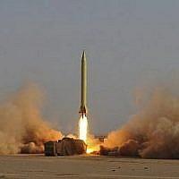 Un missile iranien Shahab-3 lancé lors d'un exercice militaire autour de la ville de Qom, en Iran, en juin 2011.(AP/ISNA/ Ruhollah Vahdati)