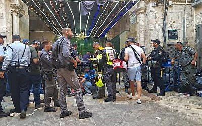 Les conséquences d'une attaque au couteau dans la Vieille Ville de Jérusalem, le 15 août 2019. (Magen David Adom)