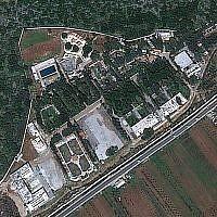 Une image satellite du complexe CERS à proximité de Masyaf.  (Capture d'écran: Google Earth)