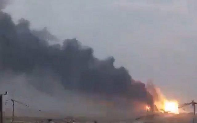Des explosions sur une base du sud de Baghdad, le 12 août 2019. (Capture d'écran: Twitter)