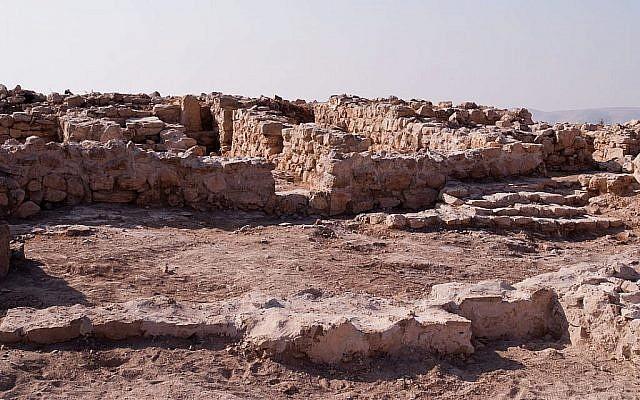 Le sanctuaire moabite et la structure en escalier sur le site de Khirbat Atarus dans le centre de la Jordanie. (Autorisation)