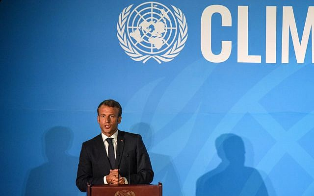 Le président français Emmanuel Macron  prononce un discours au Nations unies lors d'un sommet sur le climat., le 23 septembre 2019. (Crédit : Stephanie Keith/Getty Images/AFP