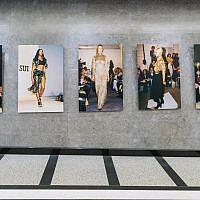 """Mannequins et égéries de la mode à la """"New York Fashion Rediscovered"""", une nouvelle exposition créée par deux Israéliens au Time Square de New York City, juste à temps pour la Fashion Week 2019 (Autorisation ZAZ10TS)"""