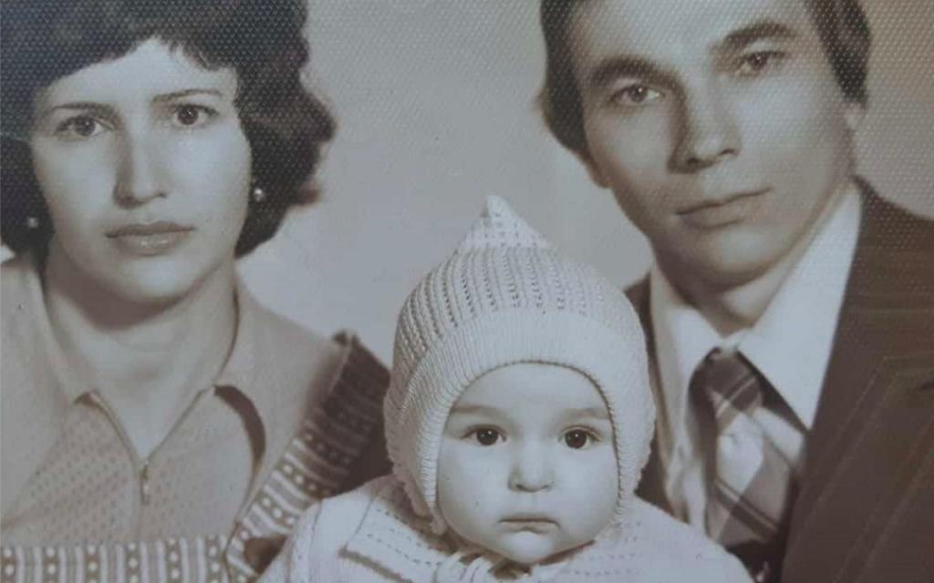 Des immigrants russes partagent leurs triomphes solitaires.