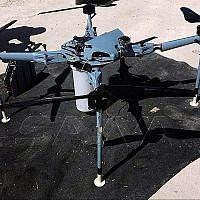 Cette photo publiée par l'agence de presse officielle syrienne SANA montre un drone qui, selon SANA, a été contrôlé et démonté par les autorités. Il aurait été piégé avec des armes à sous-munition à la pointe du lateau israélien du Golan, dans le sud de la Syrie, le 21 septembre 2019. (SANA via AP)