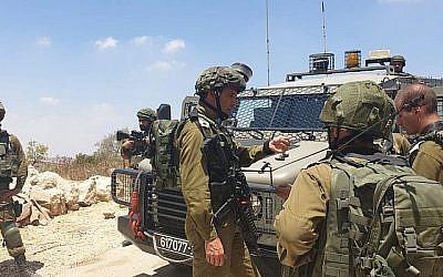 Des soldats israéliens mènent des recherches dans le zone de Bethléem après que la dépouille de Dvir Zorek, un étudiant d'une yeshiva,  a été retrouvé à proximité de l'implantation de Migdal Oz à Gush Etzion, le 8 août 2019.  (Armée israélienne)