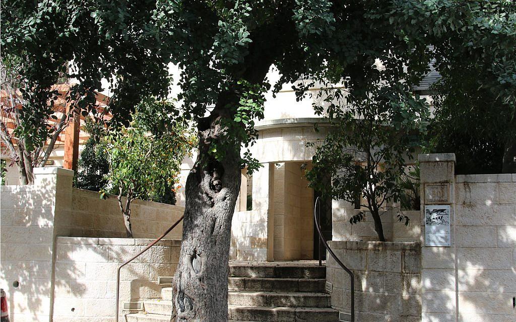 La Maison Foner-Hymana été construite sur le boulevard Ben Maimon en 1932. (Shmuel Bar-Am)