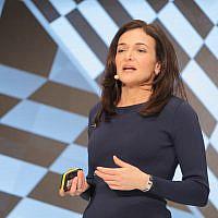 Sheryl Sandberg, cheffe des opérations de Facebook, lors de la conférence DLD de Munich en 2019, le 20 janvier 2019 (Crédit :  Alliance for DLD | Verwendung weltweit)