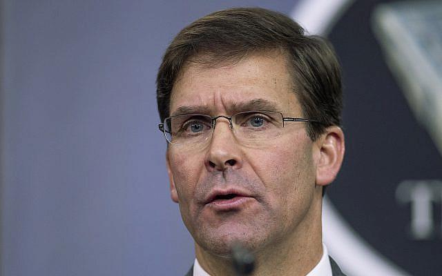 Le secrétaire américain à la Défense, Mark Esper. (AP Photo/Manuel Balce Ceneta, File)