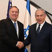 Le secrétaire d'État américain Mike Pompeo lors de sa rencontre avec le Premier ministre Benjamin Netanyahu à Jérusalem, le 18 octobre 2019. (David Azagury / Ambassade des États-Unis à Jérusalem)