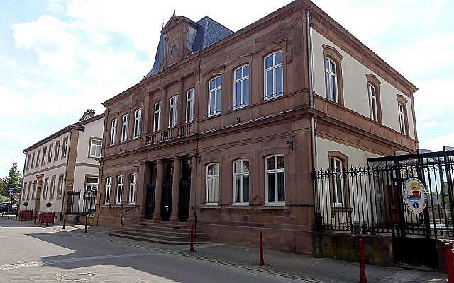 La mairie de Geispolsheim. (Crédit : Wikimedia)