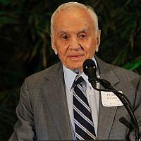 Morton Mandel, en 2018, philanthrope et homme d'affaires juif américain. (Alyssa Schmitt/Cleveland Jewish News via JTA)