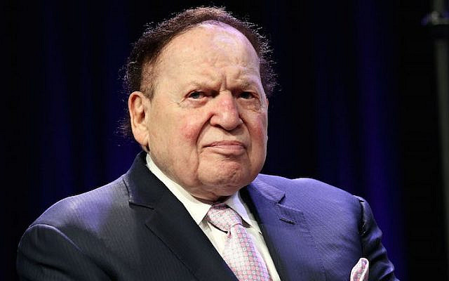 Le magnat des casinos Sheldon G. Adelson assiste au 4e gala annuel de remise des prix internationaux Champions of Jewish Values au Marriott Marquis Times Square, le 5 mai 2016, à New York. (Steve Mack/Getty Images via JTA)