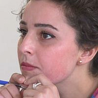 Une étudiante du cursus d'études féminines de l'université du Rojava. (Capture écran / Douzième chaîne)