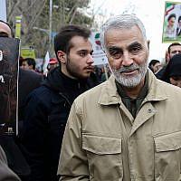 Qassem Soleimani, commandant de la force Quds, participe à une marche commémorant l'anniversaire de la Révolution islamique de 1979, à Téhéran, Iran, le 11 février 2016. (AP Photo/Ebrahim Noroozi)