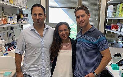 A partir de la gauche : les chercheurs de l'université de Tel Aviv le Dr. Yaron Carmi, Diana Rasuluniriana, Dr. Peleg Ride. (Crédit:  Université de Tel Aviv)