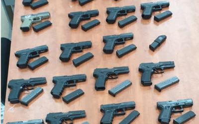 Des armes saisies lors d'une tentative de les faire passer en contre-bande du Liban vers Israël, le 14 septembre 2019. (Police israélienne)