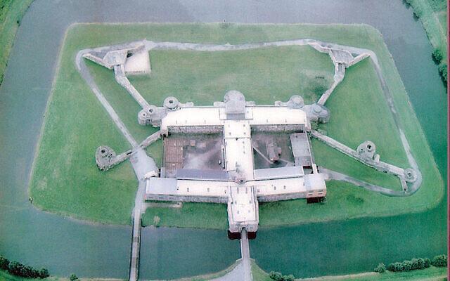 Vue aérienne du fort de Breendonk (Crédit : CC BY-SA 3.0)