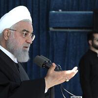 Le président iranien Hassan Rouhani prononce un discours à Rafsanjan, au sud ouest de l'Iran, le  11 novembre 2019. (Crédit : bureau présidentiel iranien via AP)