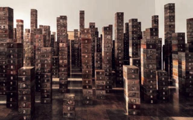 Réserve : Les Suisses morts, 1991. Boîtes en métal, photographies noir et blanc, 12 × 23 × 21,3 cm (chaque boîte) ; 6 × 4 cm (chaque photo). IVAM, Institut Valencià d'Art Modern, Generalitat ; Photo © IVAM, Institut Valencia d'Art Moderne ; © Adagp, Paris, 2019.