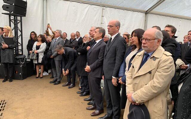 La cérémonie d'inauguration de l'allée Monsonégo-Sandler, à Toulouse, le mardi 5 novembre, en présence de leurs proches, ainsi que de Nicolas Sarkozy et de Jean-Michel Blanquer. (Crédit : JMBlanquer / Twitter)