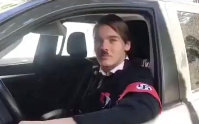 Un étudiant argentin déguisé en Adolf Hitler dans une vidéo parodique/ (Capture d'écran Twitter)