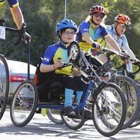 Meital Weiss, paraplégique et participatrice régulière à la course cycliste annuelle d'Alyn qui a lieu du 10 au 14 novembre 2019 (Autorisation :  Atara Weiss)