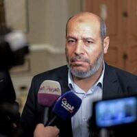 Khalil al-Hayya, haut dirigeant politique du Hamas, lors d'une conférence de presse à l'issue de deux jours de pourparlers à huis clos auxquels ont participé des représentants de 13 partis politiques de premier plan, au Caire, la capitale égyptienne, le 22 novembre 2017. (AFP / Mohamen El-Shahed)