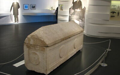 Le sarcophage de la reine Hélène d'Adiabène. (Crédit : Hanay / CC BY-SA 3.0)