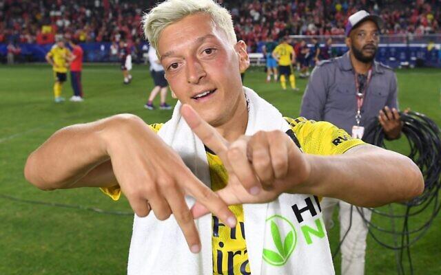 Le footballeur international allemand Mesut Ozil. (Crédit : Facebook)