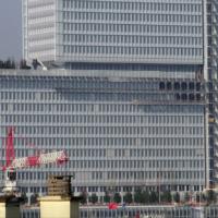 Le Tribunal de Paris à la fin de sa construction. (Crédit : Jeanne Menjoulet (photographie) et Renzo Piano (bâtiment) / CC BY-SA 2.0)