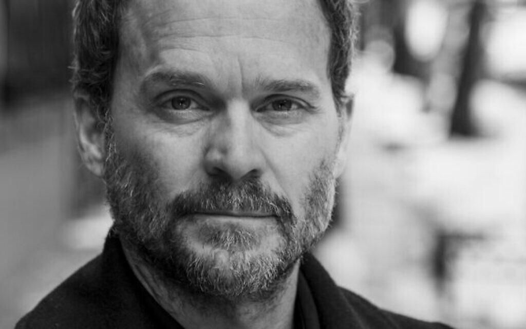 Peter Hutchinson, réalisateur de 'Healing From Hate.' (Crédit : Big Tent Productions)