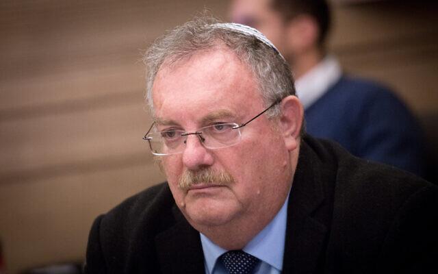 Le Commissaire à la fonction publique Daniel Hershkowitz participe à une réunion du contrôle de l'État à la Knesset, le 3 décembre 2018. (Crédit : Miriam Alster/Flash90)