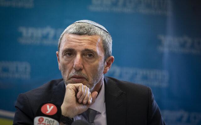 Le ministre de l'Éducation, Rafi Peretz, lors d'une réunion d'une faction de son parti à la Knesset, Jérusalem, le 11 novembre 2019. (Hadas Parush/Flash90)
