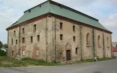 Cette synagogue orthodoxe de Przysucha, en Pologne, a été achevée en 1777. Toute la communauté juive de Przysucha, qui représentait 60% de la population de la ville, a été anéantie lors de la Shoah. (CC/SA 3.0/Jacques Lahitte)
