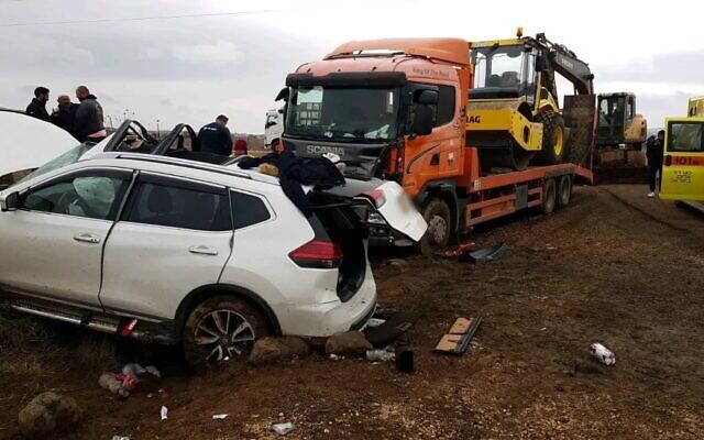 Un accident de la circulation mortel entre une voiture et un camion sur la route 98, le 31 décembre 2019. (Magen David Adom)