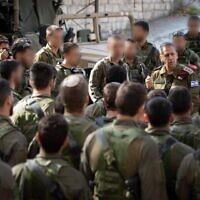 Le chef d'état-major de l'armée israélienne, Aviv Kohavi, assiste à un exercice des forces spéciales qui a lieu à Chypre, décembre 2019. (Armée israélienne)