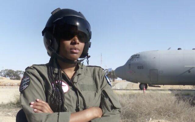 La lieutenant Tav parle à la Douzième chaîne d'information dans un entretien diffusé le 27 décembre 2019. (Capture d'écran: Douzième chaîne)