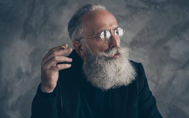 Des chercheurs de l'université Ben Gurion du Negev ont créé un protocole pour utiliser le cannabis afin d'aider les seniors  qui souffrent de trouble du sommeil et d'autres douleurs. (Deagreez; iStock by Getty Images)