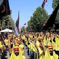 Des partisans du Hezbollah participent à une procession le dixième jour de Muharram qui marque le jour de l'Achoura, le 10 septembre 2019 à Baalbek, au Liban. (Stringer/AFP)