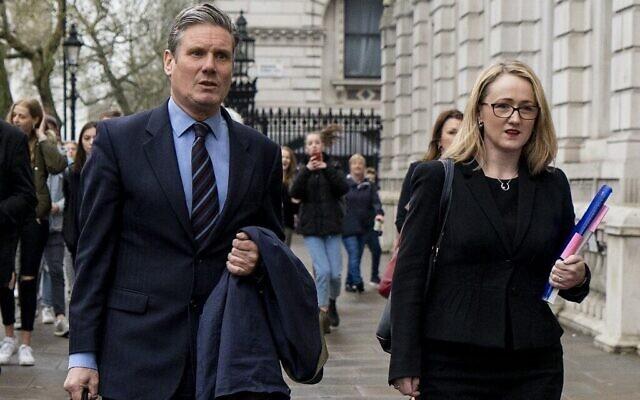 Keir Starmer (à gauche) et Rebecca Long-Bailey du Parti travailliste britannique arrivant au bureau du cabinet pour les négociations sur le Brexit à Londres, le 9 avril 2019. (Niklas Halle'n/AFP)