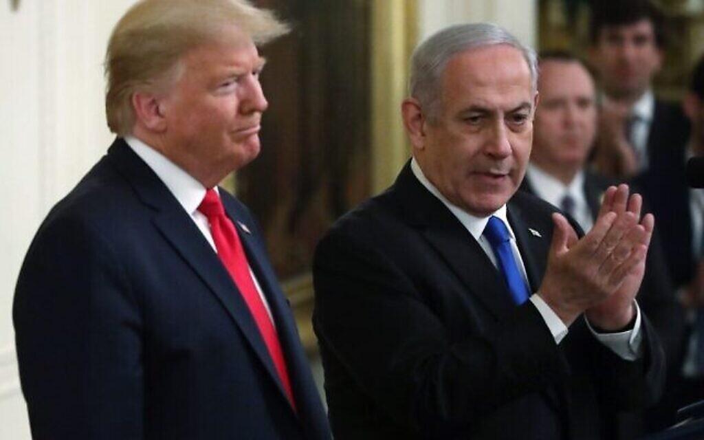 Le président américain Donald Trump et le premier ministre Benjamin Netanyahu (à droite) assistent à une conférence de presse dans la salle Est de la Maison Blanche, le 28 janvier 2020. (Alex Wong/Getty Images/AFP)