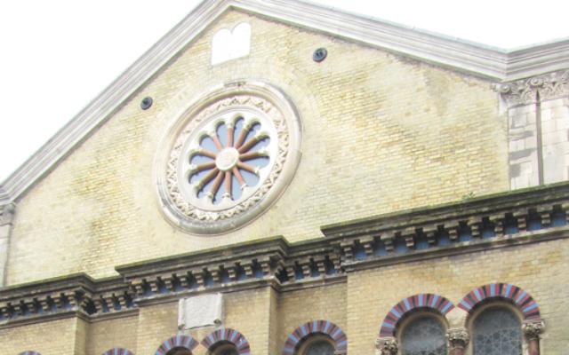La Middle Street Synagogue de Brighton. (Crédit : Jvhertum / Wikimédia / Creative CommonsAttribution-Share Alike 3.0)